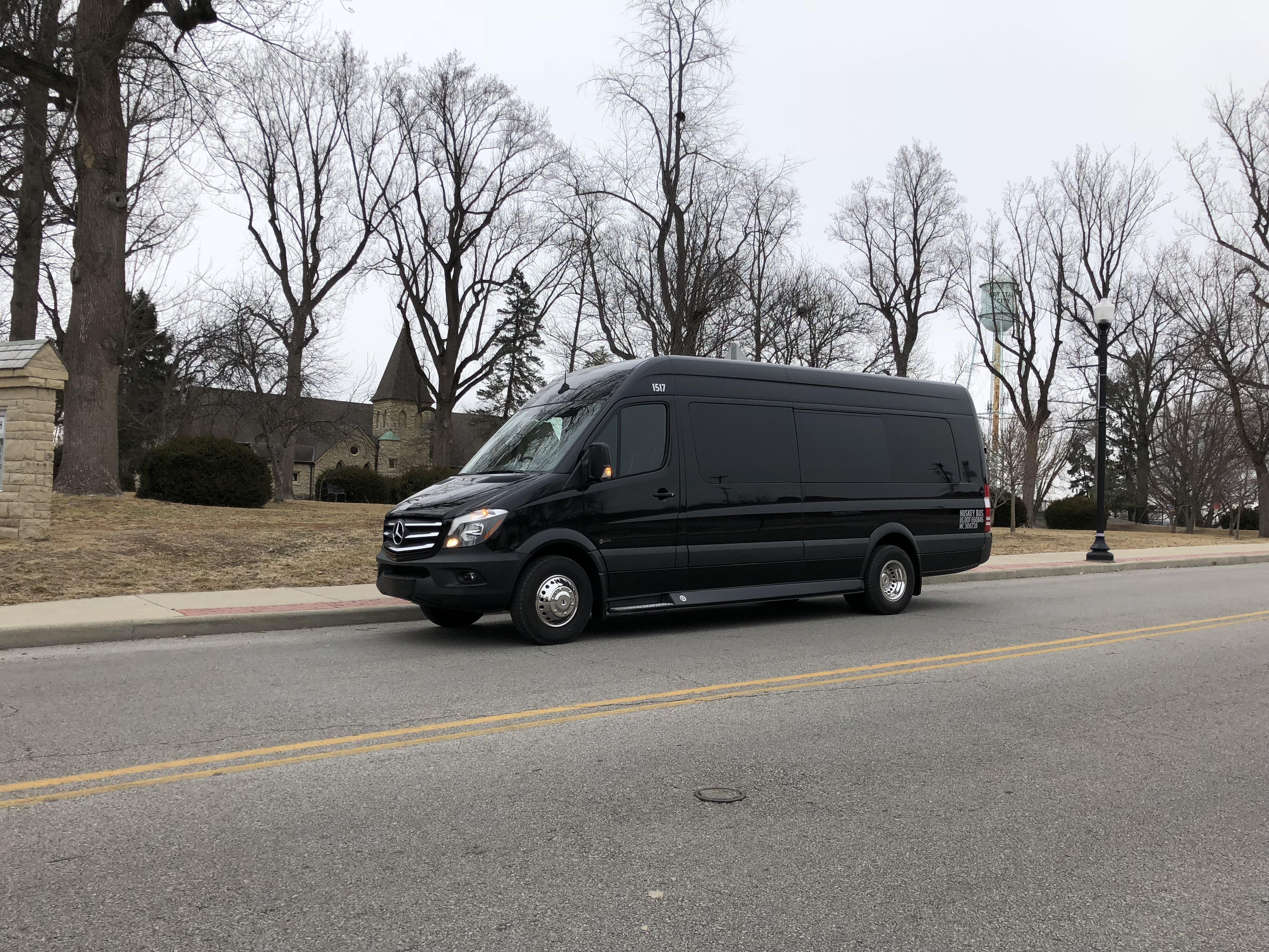13 passenger van rental